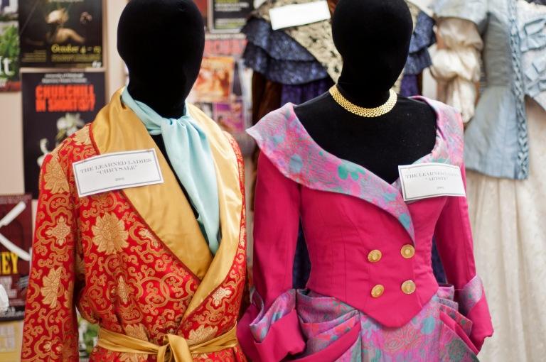 Mangone_Costumes02